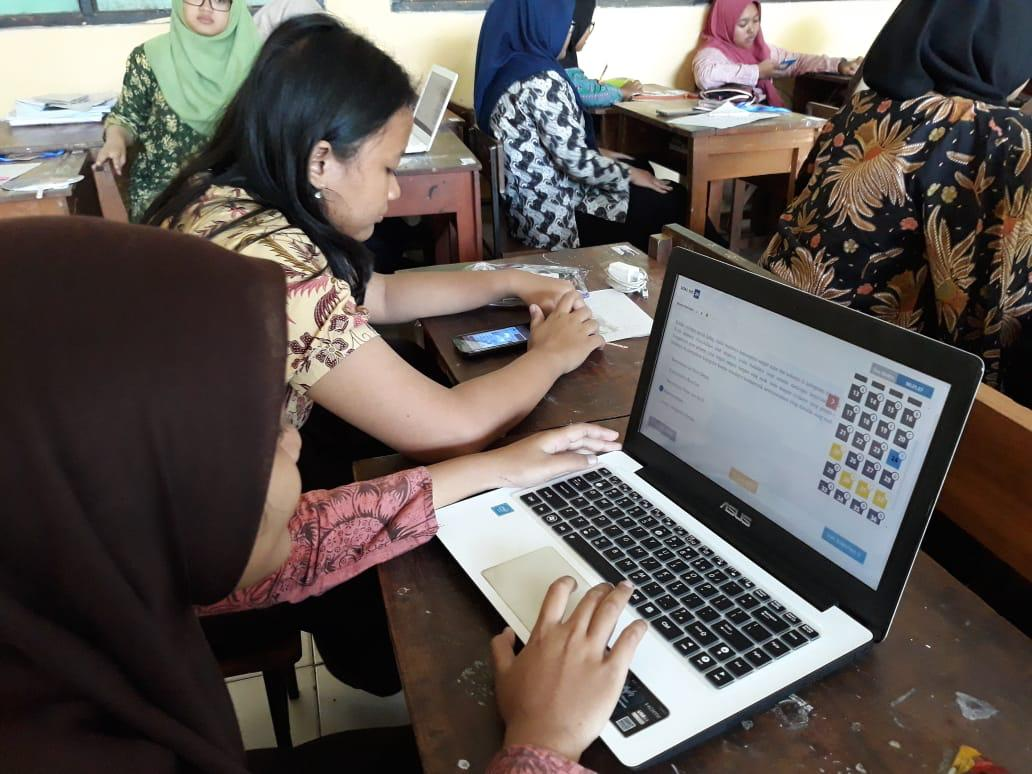 Penilaian Akhir Tahun Berbasis CBT dengan HP/Tablet/Laptop